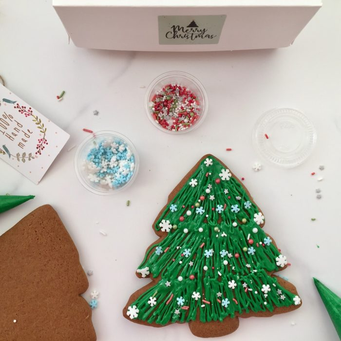 Gingerbread Christmas Tree  Cookie Giftbox – watch our video…